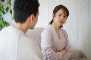夫が家事育児に非協力、ありもしない浮気の疑いをかけられ調停を経て裁判離婚